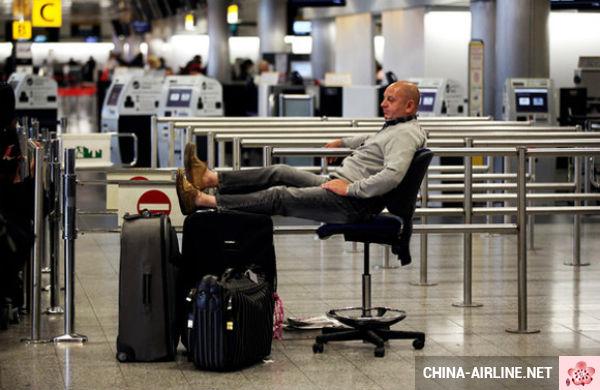 Bí quyết đối mặt với tình trạng hoãn chuyến bay?
