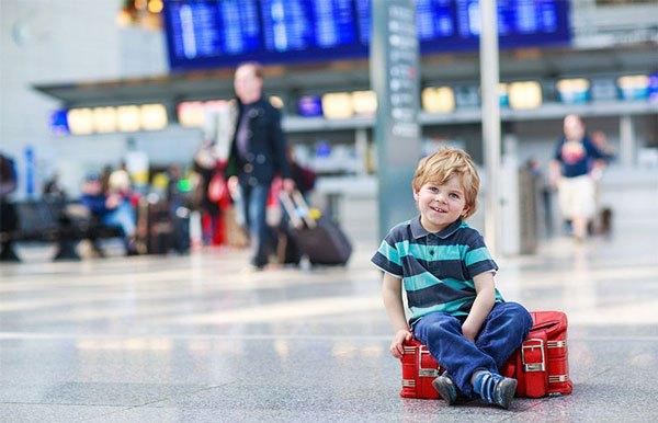 quy định trẻ em đi máy bay 2021