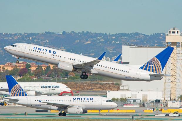 vé máy bay đi Mỹ United Airlines